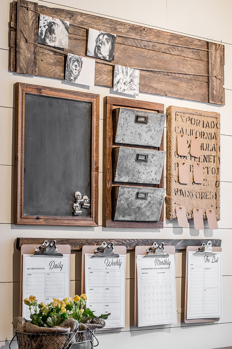 A diy farmhouse style command center with free printables for Decor zone homes