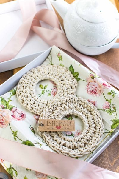 Crochet Coasters – Cheap, Easy and Super Cute